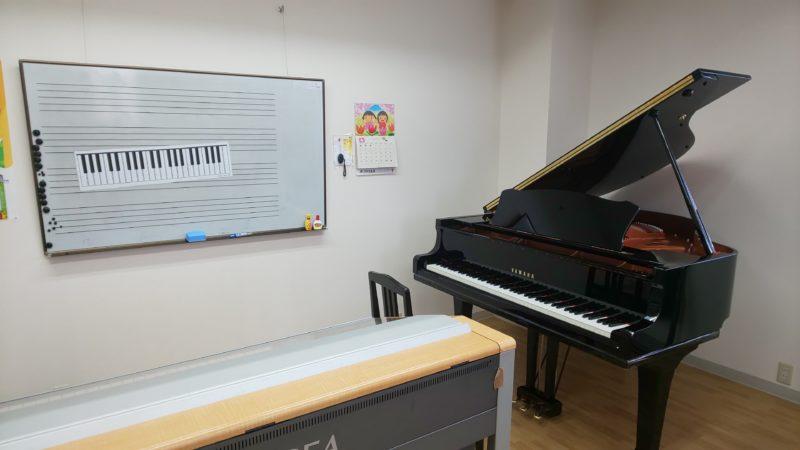 昭和センターにグランドピアノが入りました!